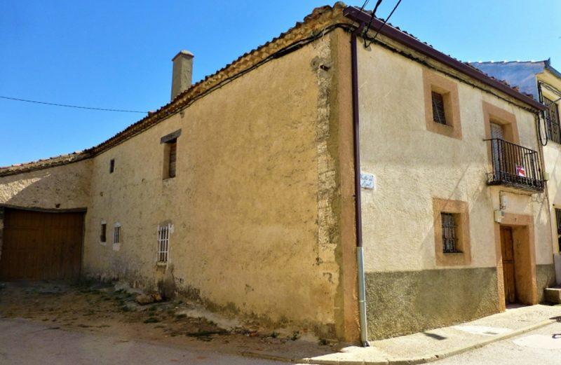 Cerezo de Arriba, Casa para Reformar, con Parcela, 89.000€